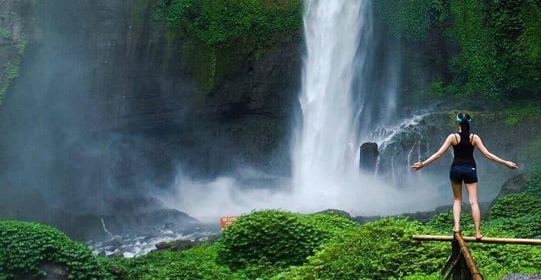 Jangan Tinggalkan Barang Ini Jika Berwisata Ke Air Terjun